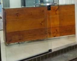 Balcão de madeira rústico