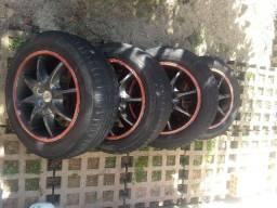 Vendo jogo de rodas aro 15 com pneus meia vida