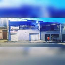 Título do anúncio: Vendo casa com garagem e loja