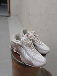 Nike Shox R4 *Tamanho 41*
