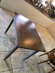 Mesas de madeira com MDF NOVAS!