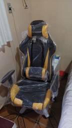Título do anúncio: Cadeira Pró Gamer nunca usada.