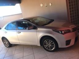 Carro Corola Toyota mod 2017 Prata