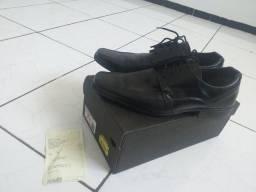 Sapato Social na caixa com nota