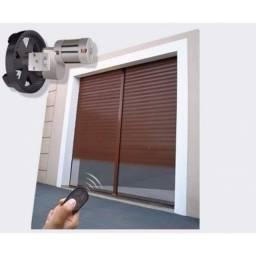 Porta de rolo automática (instalação e motor).