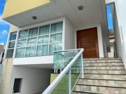 Vende-se Belo e Amplo Duplex com 04 quartos e Piscina, em Patos-PB