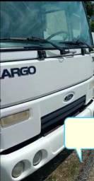 Título do anúncio: Vendo meu caminhão baú Ford cargo 712Ano 2010