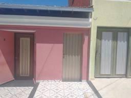 Aluga-se Casa. Localizada no Bairro João Botelho