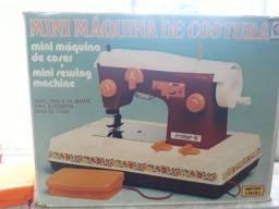 Máquina de Costura de brinquedo antiga