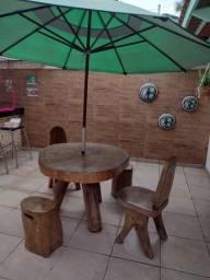 Vendo mesas e cadeiras em madeira rustica