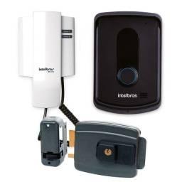 Instalação e manutenção de câmeras de segurança, interfones, alarmes e motores de portão