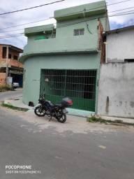 Casa de 2 pisos (sobrado) Localizada no Bairro Parque São Pedro