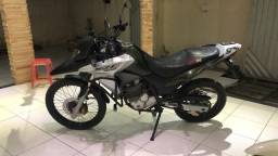 Vendo moto XRE 2018