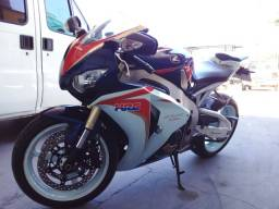 Moto Honda cbr Fireblade 2011