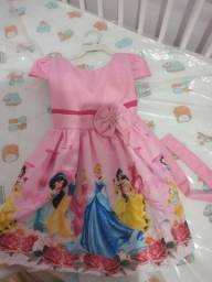 Vestido temático das Princesas