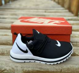 Tênis Nike (Preto com Branco) disponível n41