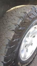 4 pneus BF Goodrich