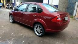 Fiesta 1.6 ano:2005 extraaa - 2005