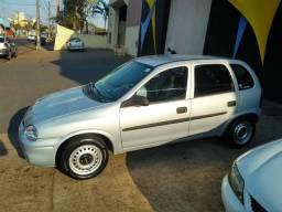 Corsa hatch 2001 básico - 2001