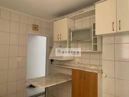 Apartamento com 2 dormitórios para alugar, 61 m² por R$ 976,00/mês - Jardim Hollywood - Sã