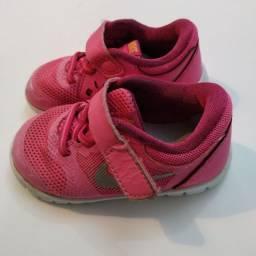 Nike infantil original tamanho 20