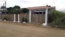 Casa à venda com 3 dormitórios em Bananeiras, Araruama cod:840151