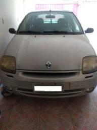 Clio Sedan 2001
