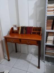 Título do anúncio: Vendo Escrivaninha em madeira