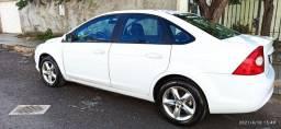 Focus sedan 2.0 completo