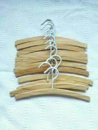 11 cabides infantil de madeira