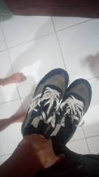 Sapato da adidas , sem uso