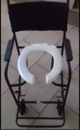 Título do anúncio: Cadeira de banho usada