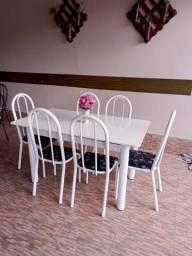 Mesa de marmore branco com 6 cadeiras 600 entrego