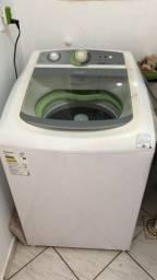 Máquina de lavar em perfeito estado