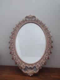 Espelho oval de parede 0,25 por 0,37 em resina novo<br>embalado