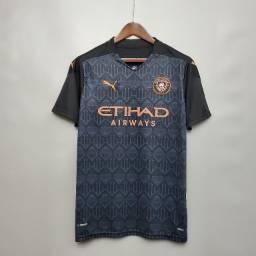 Camisa de time Manchester City lacrada