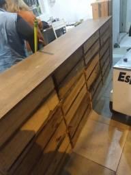 Título do anúncio: Balcão feito de caixas de madeira caseiro