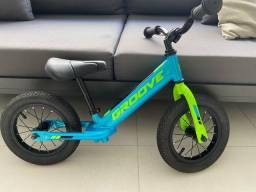 Bicicleta balance bike - groove / (muito nova)