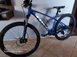 Título do anúncio: Bicicleta trek Merlin 6