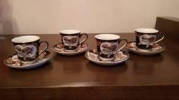 Lindo Jogo com 4 xícaras de café em porcelana Chinesa.