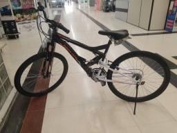 Vendo uma bicicleta aro 26 nova