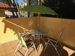 Mesa/4 cadeiras/guarda sol