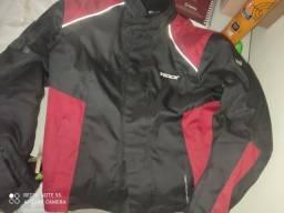 Vendo essa jaqueta texx bem novinha