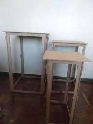 Trio de mesas em MDF desmontaveis