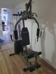 Equipamento de musculação