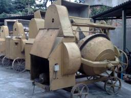 Betoneira 320 litros com carregador e motor trifásico