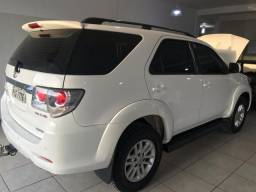 Hilux sw4 7 lugares 2014/2015 - 2015