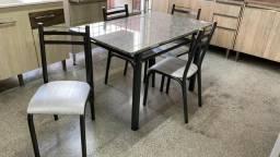 Mesa 4 cadeiras tampo em Marmore