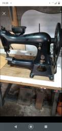 Duas máquina costura para selaria