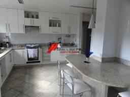 Apartamento com 160 m2 e 02 vagas de garagem no bairro Esplanadinha